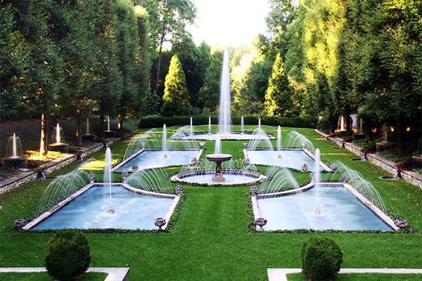 Sân vườn đài phun nước hiện đại