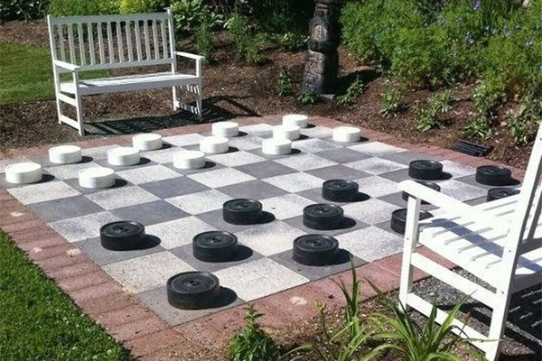 Ý tưởng thiết kế sân vườn bàn cờ thú vị